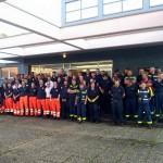 Gemeinsame Unterstützung der Flüchtlingshilfe an der Sporthalle Talstraße, Hattingen